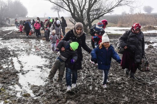 HRW: pabėgėlių krizė sukelia žmogaus teisių suvaržymus