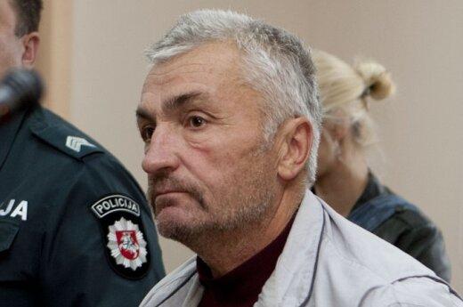 В суд доставлен мужчина, подозреваемый в убийстве двоих человек в Аукштадварисе