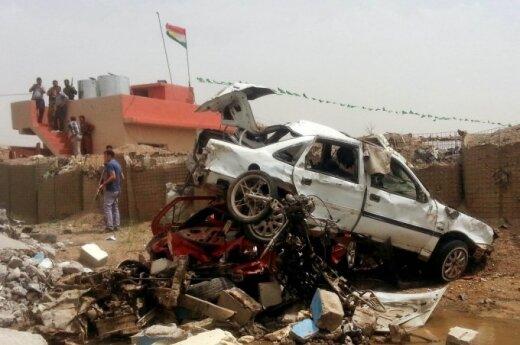 Sprogimai Pakistane ir Irake