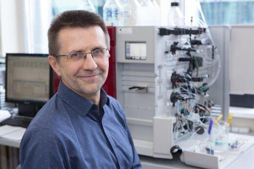 Prof. V. Šikšnys