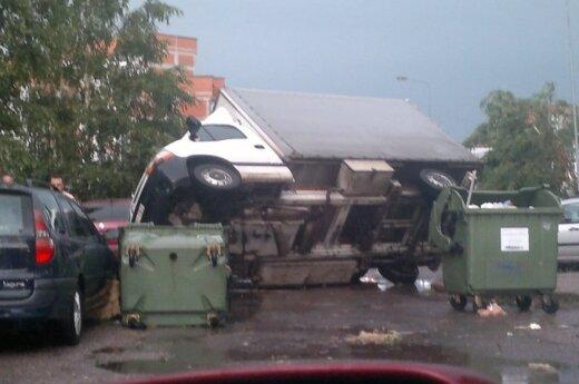 Przez Litwę przeszła wichura. Co najmniej dwie osoby są ranne