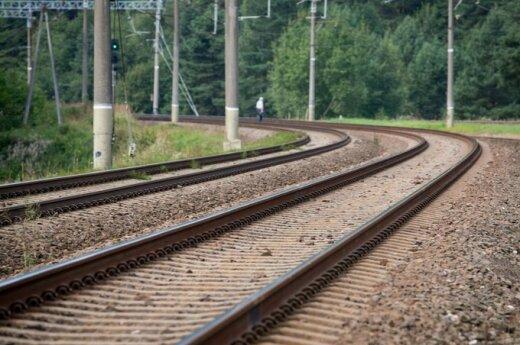 """Estai nusileido dėl """"Rail Balticos"""""""