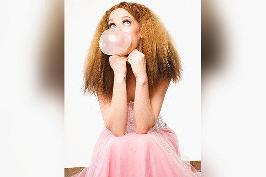 Kramtomoji guma, jaunimas, mergina, laisvalaikis