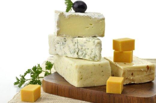 Daugėja importinių pieno produktų