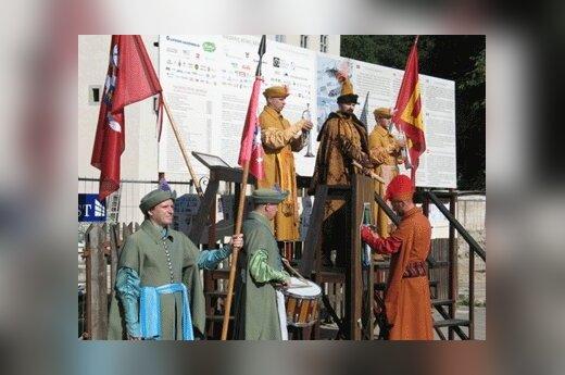 Teatralizuotos istorinės ceremonijos prie Valdovų rūmų