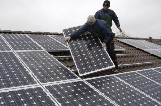 Saulės elektrinės ant stogų jau nebestebina
