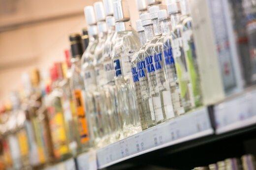 Alkoholio vartojimas viešoje vietoje baigsis ir 200 eurų bauda