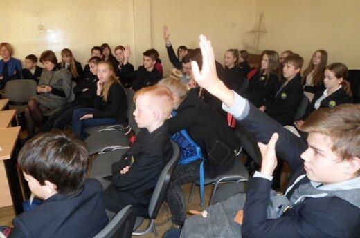 Penkios savivaldybės pereina nuo mokinio prie klasės krepšelio