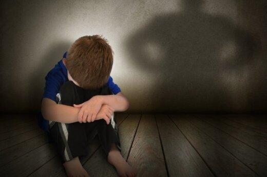vaikas, berniukas, bausmė, baimė, išgąstis, smurtas