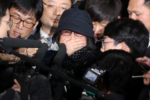 Pietų Korėjoje kilusio skandalo kaltininkė Choi Soon-sil