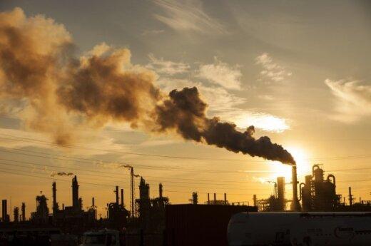 Kilusios naftos kainos palaiko JAV akcijų indeksus