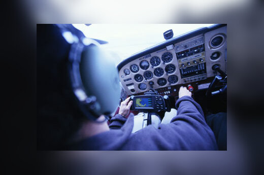 Lėktuvas, lėktuvai, oro uostas, pilotas