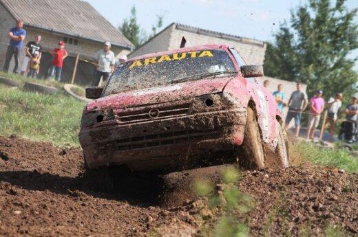 Autokroso varžybose Joniškyje triumfavo lenktynininkai iš Panevėžio