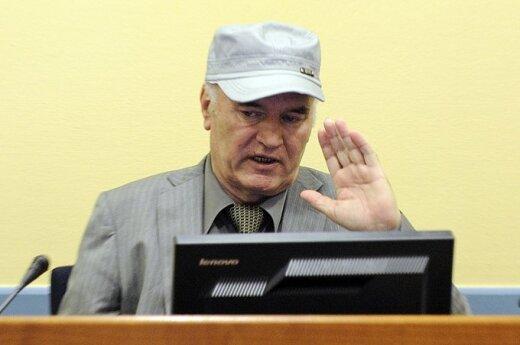Holandia: Proces Mladicia odroczony
