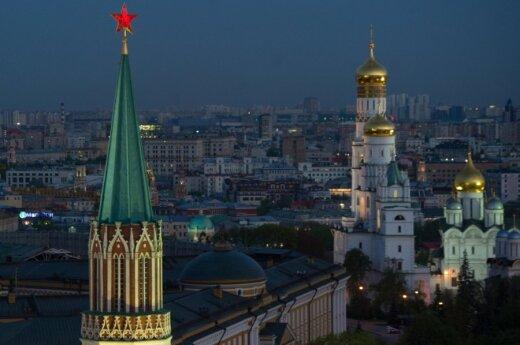 Премьер: не надо отворачиваться ни от России, ни от США