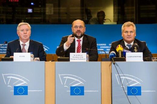 Patas Coxas, Martinas Schulzas, , left, and former Polish President Aleksander Kwasniewski