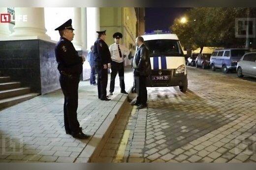 В Москве мужчина с пистолетом и канистрой бензина напал на синагогу
