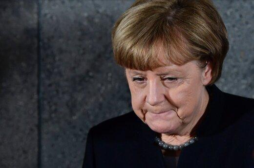 Меркель выступила за двойную стратегию в отношении России