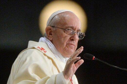 """Papież Franciszek: Bóg jest """"więźniem"""" systemu"""