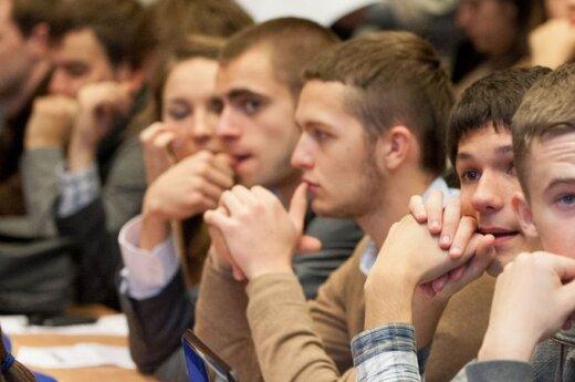 Magistro studijų niekas nebenori: ar verta gaišti laiką