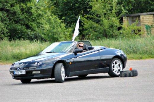 """Panevėžio """"Alfa Romeo"""" gerbėjus suvienijo kasmetinis """"Alfaturas"""""""
