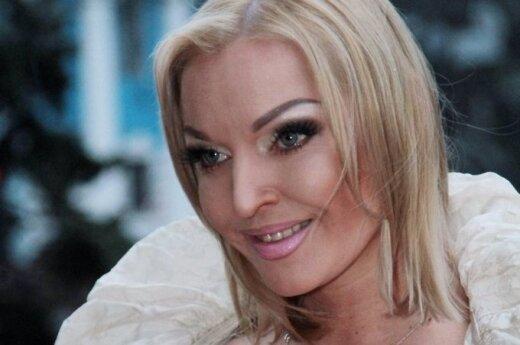 ВИДЕО: Волочкова представила клип на свою новую песню