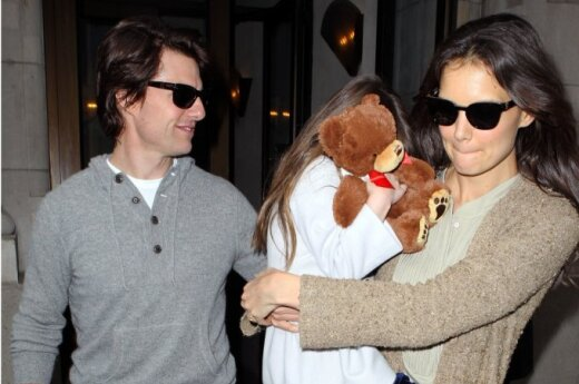 Tomas Cruise'as, Katie Holmes ir Suri Cruise