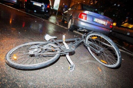 Esė konkursas. Vilkikas ir dviratis – kuris kurį?