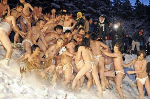 Фестиваль голых мужчин в Японии