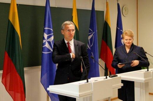 Jens Stoltenberg ir Dalia Grybauskaitė in Karmėlava, Lithuania