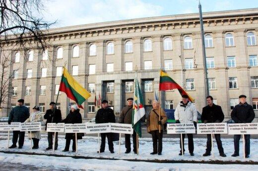 Protest przeciwko dwujęzycznym nazwom ulic