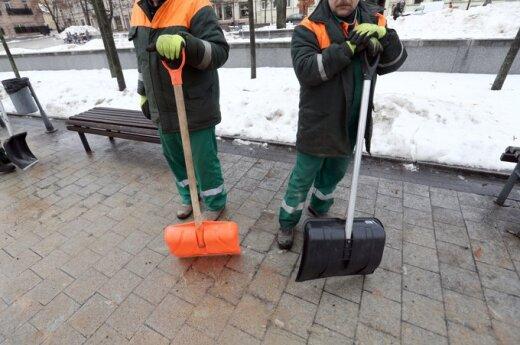 В Вильнюсе дворникам платят до 3000 литов