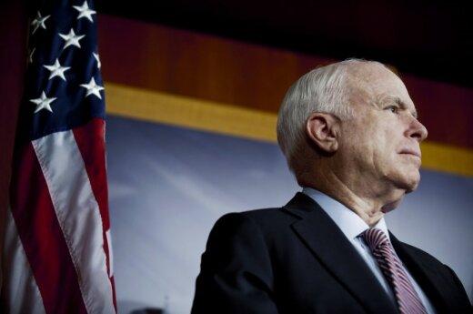На следующей неделе сенатор США Джон Маккейн может посетить Латвию