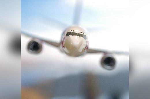 Чартерный самолет, летевший из Таллинна, совершил экстренную посадку