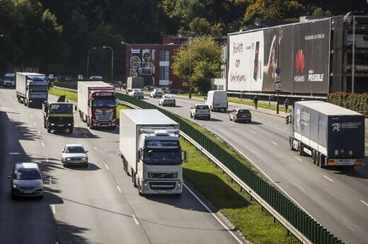 Lithuania imposes road tax on Russian trucks