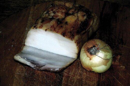 Lašiniai ir svogūnas
