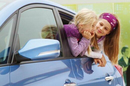 Vaikai automobilyje