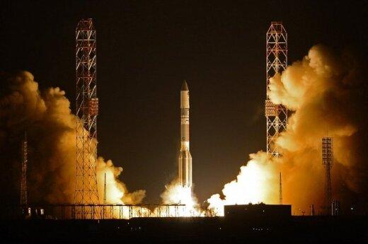 """Startuoja raketa """"Proton-M"""" su Meksikos ryšių palydovu"""