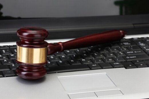 Wielka Brytania: Sąd skazał za wpis na Facebooku