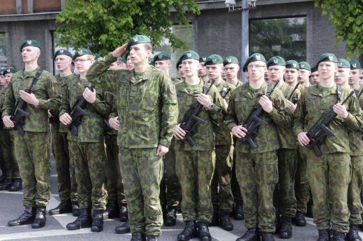 First batch of Lithuanian conscripts finish military training