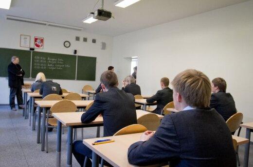 Решение по вопросу об облегченном экзамене по литовскому языку суд вынесет после экзамена