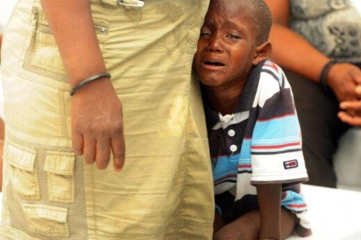 """Холера продолжает """"косить"""" гаитян: 1344 жертвы"""