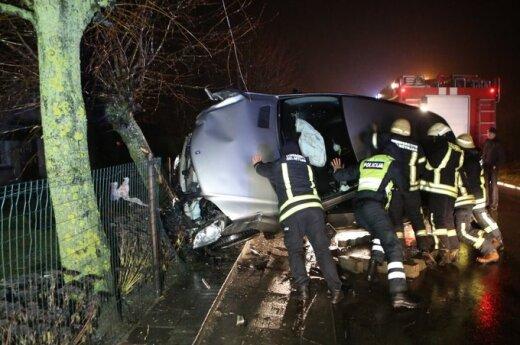 В Клайпедском районе Mercedes сбил женщину