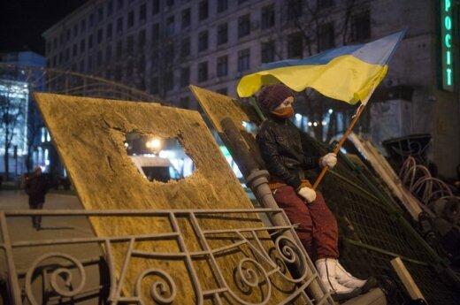 Депутат из Севастополя просит Путина ввести в Украину войска