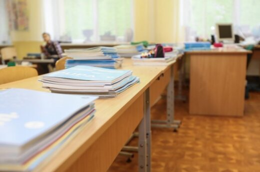 Lietuvos mokyklos glūdi dresūros aptamsoje