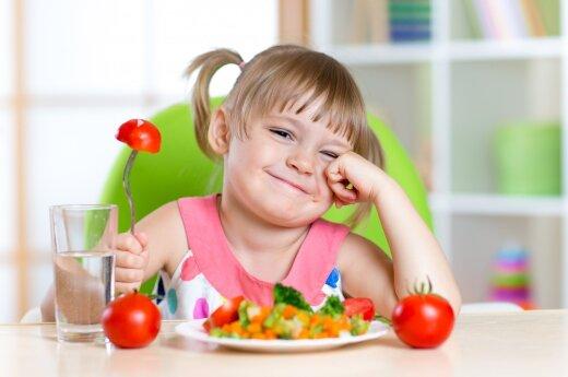 Tyrimas atskleidė: vaikai nevalgo daržovių imdami pavyzdį iš tėvų