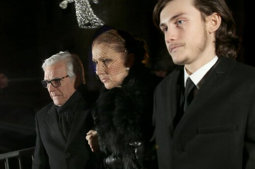 Celine Dion ir Rene Charlesas Angelilis (dešinėje)