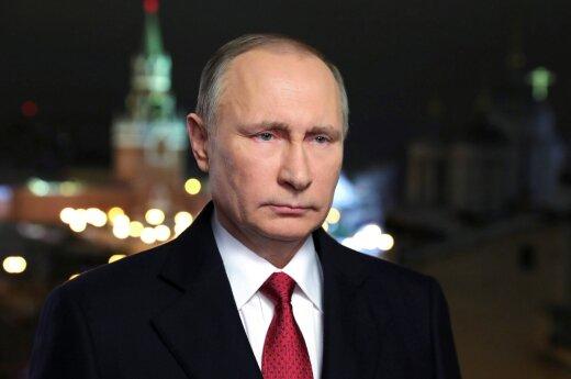 Kremlius verbuoja naujam elitiniam būriui: už nepaklusimą – persekiojimas