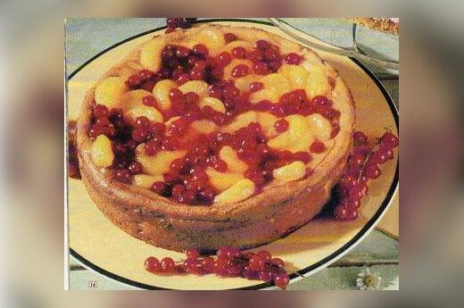 Varškės pyragas su vaisiais