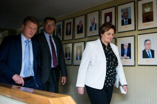 Seimas Speaker Loreta Graužinienė (right) with Prime Minister Algirdas Butkevičius (centre) and coalition partner Rolandas Paksas.